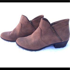 AMERICAN RAG brown ankle booties